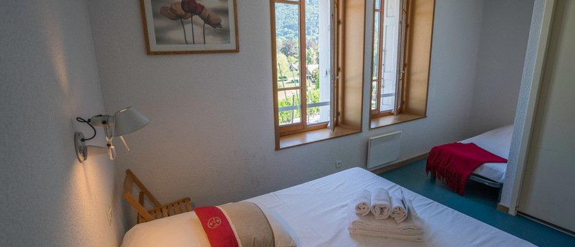 Hotel Pavillon des Fleurs, Talloires, Lake Annecy, France - bedroom with extra bed.jpg